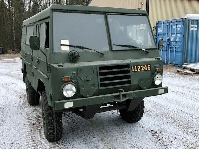 Terrängbil 11 är ett av fordonen som är till salu.