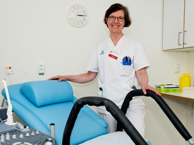 – Stolen innebär inte minst en enorm skillnad för kvinnor som lider av smärtor till följd av endometrios, säger gynekologen och uppfinnaren av stolen Greta Edelstam i ett pressmeddelande.
