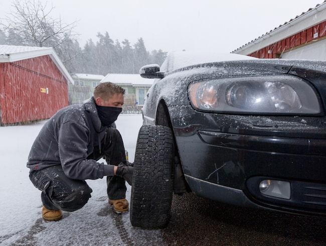 Ett hjulskifte behöver göras ordentligt och i en miljö där risk för misstag minimeras.