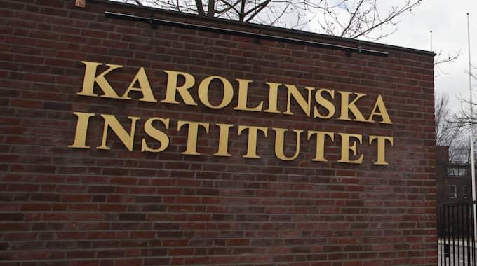 Det var i mars i fjol som pressen blev för stor: Karolinska institutet (KI) meddelade att stjärnan Macchiarini fick lämna forskarjobbet. Foto: Lisa Mattisson