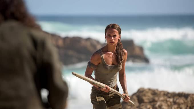 "Men till nya ""Tomb raider"" har man valt att fimpa de tajta avslöjande kläderna, och gå mer på linjen i 2013 års reboot av spelet. Foto: PLANET PHOTOS / STELLA PICTURES SUPPLIED BY PLANET PHOTOS"