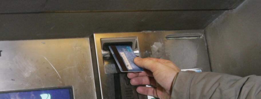 Svenska konton lansas fran bankomater i hela varlden