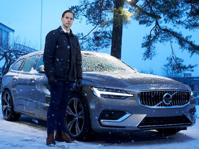 Expressens Elias Andersson var på plats för att se nya V60 – som Volvo valde att visa upp i ett villaområde på Lidingö.