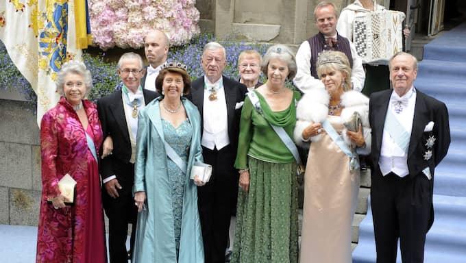 Niclas Silfverschiöld och makan prinsessan Désirée (i mitten) vid kronprinsessan Victorias bröllop. Foto: Jan Düsing