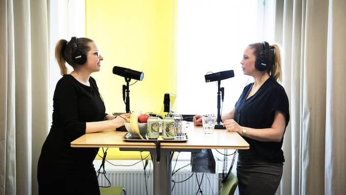 """Karin Bülow Orrje och Malin Gramer spelar in """"Preggopodden"""" Foto: ANNA-KARIN NILSSON"""