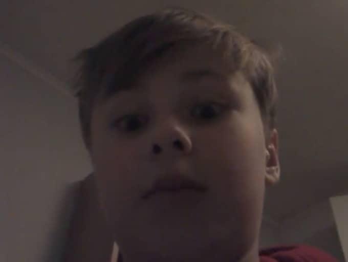 Tioåriga Isak i Piteå fick vara med om en jordbävning – på sin Youtube-kanal rapporterade han om händelsen. Foto: Youtube/Skärmavbild