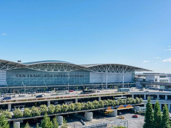 San Francisco International Airport har beslutat om att förbjuda försäljning av vatten i plastflaskor.