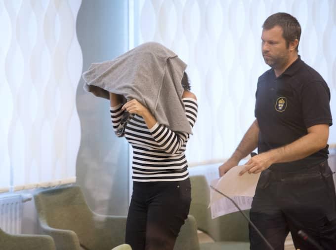 Sedan tidigare är Akis fru, den 42-åriga Arbogakvinnan, medmisstänkt för dådet och en rad andra brott. Foto: Sven Lindwall