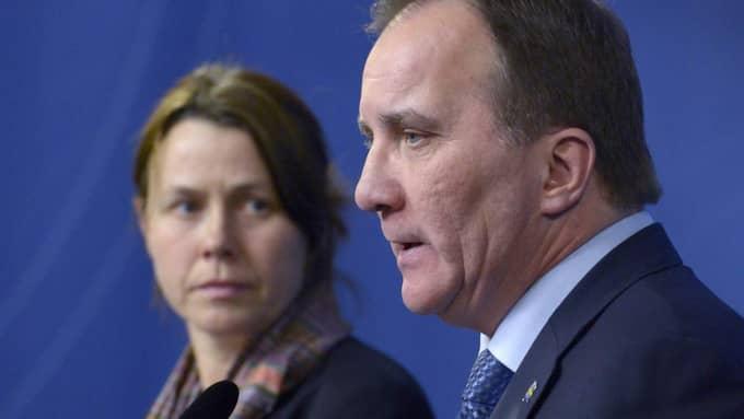 Vice statsminister Åsa Romson (MP) och statsminister Stefan Löfven på presskonferensen på tisdagen. Foto: Janerik Henriksson/Tt