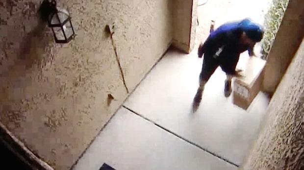 Paketet levereras till mannens dörr - sekunder senare är det borta