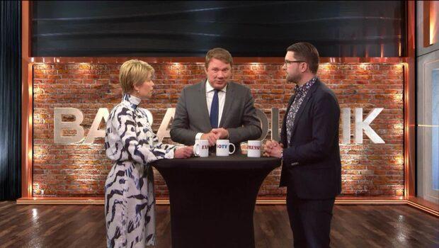 Bara politik: Se hela debatten mellan Annika Strandhäll (S) och Jimmie Åkesson (SD)