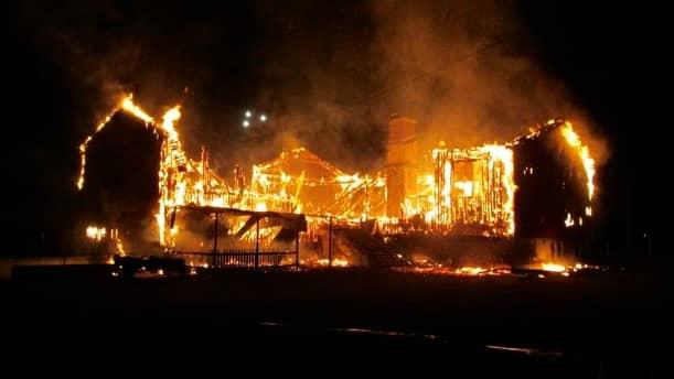 Byggnad i Arlöv som dagen efter skulle ha tagits i bruk för ensamkommande. En av 78 bränder under 2015. Foto: RÄDDNINGSTJÄNSTEN I LJUNGBY / RÄDDNINGSTJÄNSTEN I LJUNGBY
