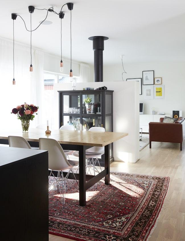 Modern funkisvilla u2013 så fint bor Magnus Leva& bo