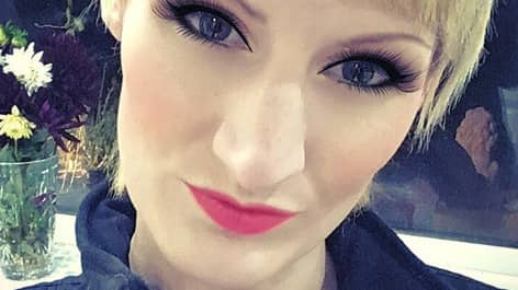 Vikkie Kenward insåg att hennes blivande make hade ljugit. Foto: Instagram