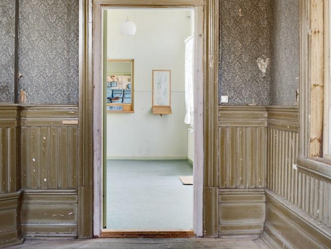 Huset kräver en del renovering och fix.