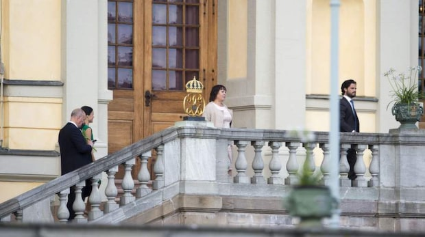 Kungafamiljens hemliga firande på slottet