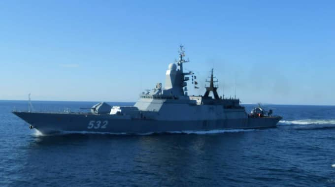 Ett ryskt örlogsfartyg försökte hindra en finsk forskningsbåt med svenska forskare ombord att ta sig till ett provtagningsområde utanför Gotland. Bilden är tagen från forskningsbåten den 2 september. Foto: VG-Shipping Oy