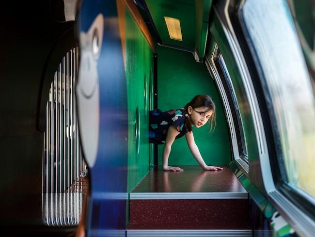 Här finns gott om aktiviteter för barnen på tåget.