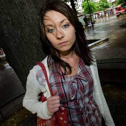 """Grön ungdoms språkrör Maria Ferm, 22, väljer nu att berätta om sitt tidigare missbruk: """"Man får ett tillfälligt självförtroende när man tar kokain. Sedan tar drogen över"""". Foto: Vikström Roger"""