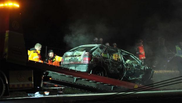 Bil klyvdes itu i bilkrasch utanför Karlstad