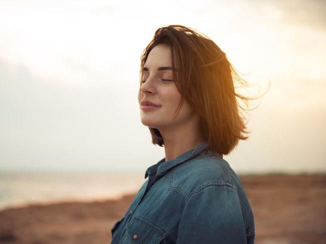 Stress kan påverka din kropp och ditt sinne negativt, särskilt långvarig stress.