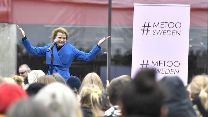 Jämställdhetsminister Åsa Regnér talade på #Metoo-manifestationen på Sergels torg. Foto: CLAUDIO BRESCIANI/TT