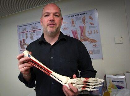 Först i Sverige. Michael Weber är Sveriges första podiater – en specialist på fot och ben.