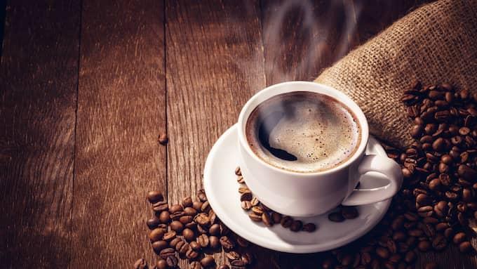 Genom att ta med sig kaffetermos iställer för att köpa take away-kaffe finns mycket pengar att hämta in. Foto: FOTOLIA / DIMAKP - STOCK.ADOBE.COM 105907729