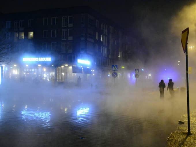 Det var en rostangripen fjärrvärmeledning som orsakade den svåra vattenläckan i Lund.