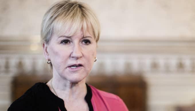 """""""Tydlig majoritet av svenskarna vill att Sverige ska fortsätta vara militärt alliansfritt, enligt SOM-institutet"""", skriver Margot Wallström på Twitter. Foto: Axel Öberg"""