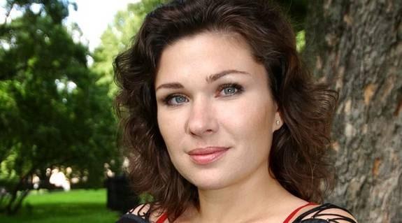 Dominika Peczynski tycker att föräldraledigheten är för lång i Sverige.