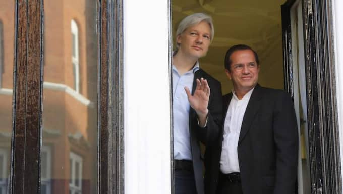 Assanges försvarsadvokater kräver att bevisningen ska omprövas och häktningen hävas. Foto: Chris Helgren