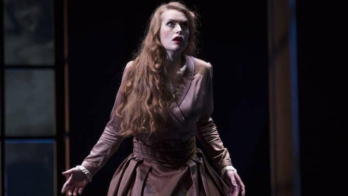 Den lyriskdramatiska sopranen Cornelia Beskow glänser som Sieglinde. Foto: MARKUS GÅRDER