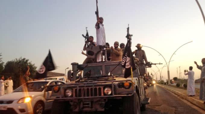 Sju till åtta mån från IS ska har rest till Stockholm för en eventuell attack, enligt uppgifter i dag. Foto: AP