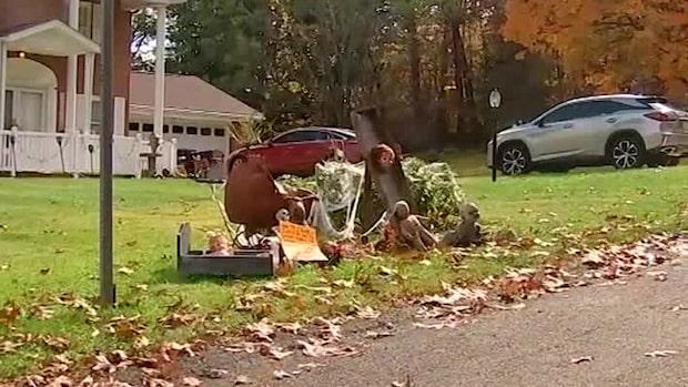 Grannarnas avsky mot parets halloweendekoration