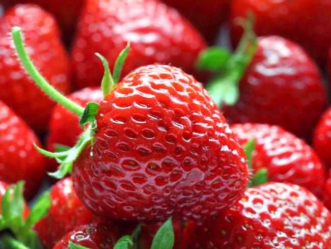 För många är sommaren ingen sommar utan jordgubbar.
