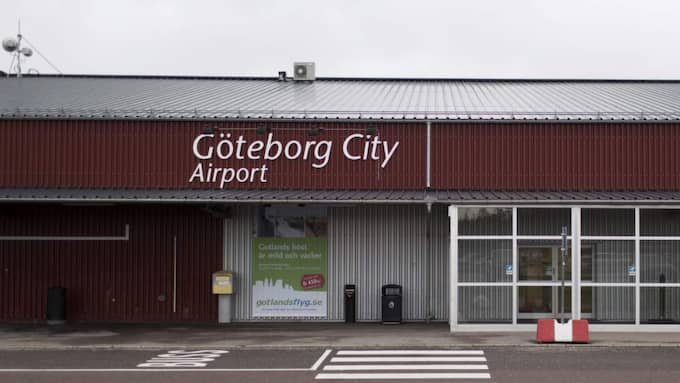 Vid ett möte med flygplatsens personal på tisdagsförmiddagen fick de information om att de inom kort kommer tvingas söka andra arbeten. Foto: Jonas Tobin