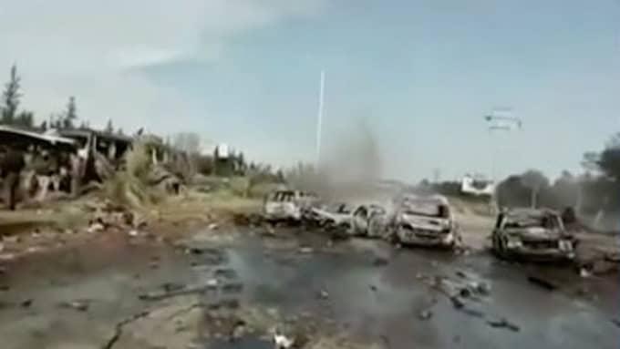 Lördagens självmordsattentat mot ett antal bussar fyllda med civila som skulle evakueras ur Syrien – däribland många barn – ägde rum väster om staden Aleppo. Foto: CNN
