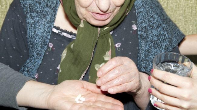 <span>Nästan var tionde äldre får läkemedel som står på Socialstyrelsens svarta lista.</span>