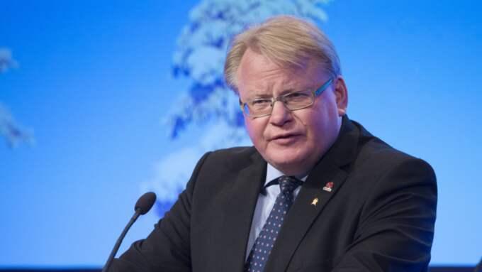 Precis som flera andra ministrar har Peter Hultqvist dubbelt boende. Foto: Sven Lindwall