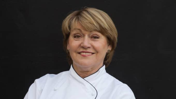"""""""Att efter så många år äntligen få ett erkännande, det är stort. Jag är både stolt och känner mig upprymd"""", säger Karin Fransson, köksmästare på Hotell Borgolm som fått sin första stjärna."""