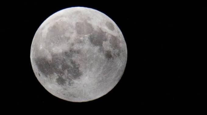 Forskning visar att sömnen försämras vid fullmåne. Foto: Tomas Leprince
