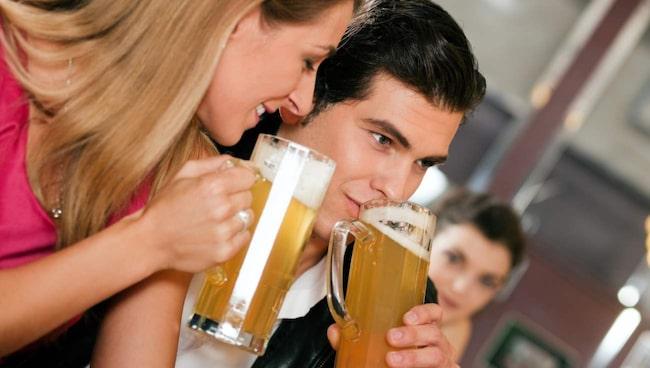 <span>Många vet att det inte lönar sig att träna dagen efter att man har druckit, men detta gäller även innan träningen.</span>
