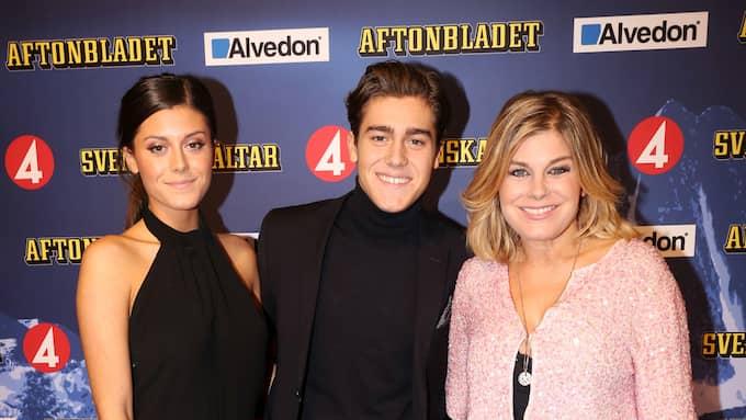 Benjamin Ingrosso tillsammans med systern Bianca och mamman Pernilla. Foto: ROBERT EKLUND / STELLA PICTURES