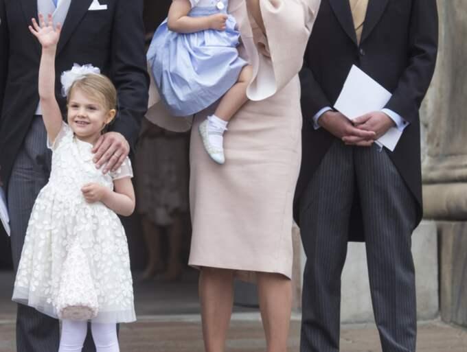 Prinsessan Estelle på lillebror prins Oscars dop. Foto: Robert Eklund/STELLA PICTURES
