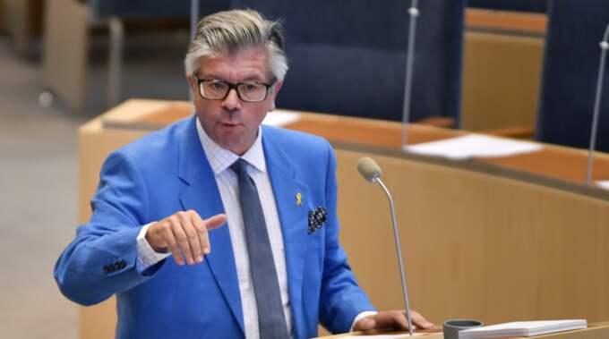 Moderaternas vice gruppledare Hans Wallmark deltog i dagens möte i riksdagen. Foto: Anders Wiklund/TT