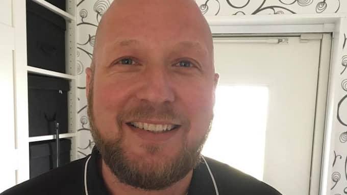 Fredrik Gladh väcktes av kossorna i morse. Foto: PRIVAT