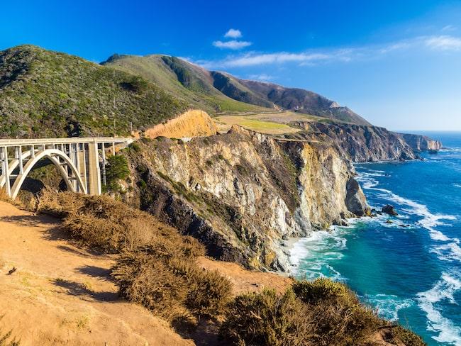 Highway 1 beskrivs ofta som en av världens vackraste vägsträckor.