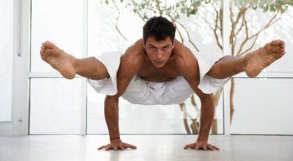 Man? Yoga mer så får du ett bättre sexliv.