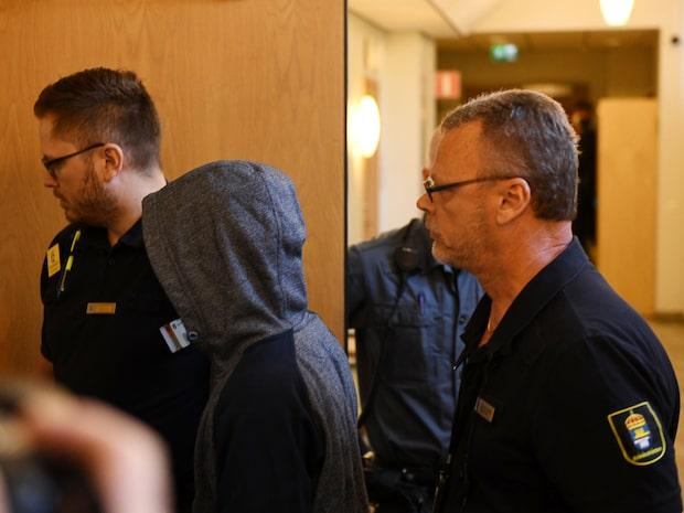 MFF-spelaren döms till fängelse för barnvåldtäkt